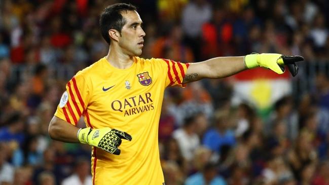 Foto  Archivo Claudio Bravo agradeció a FC Barcelona por carta deseándole  una rápida recuperación 283c9b07559