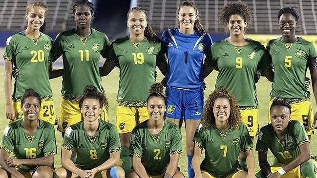 11be85e7cb53d Foto  Usain Bolt Jamaica clasificó para su primer Mundial con ayuda de la  hija de Bob Marley