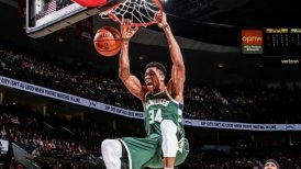 Giannis Antetokounmpo dirigió el ataque ganador de Milwaukee Bucks ante New York Knicks