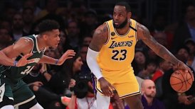 LeBron James logró un histórico registro en victoria de Los Angeles Lakers sobre Bucks